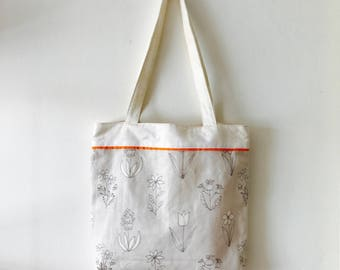 Handmade Tote bag / Carry all for knitting crochet project 34 x 32 x 5 cm *Wild Flowers beige*