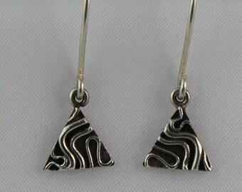 Wave triangular drop earrings