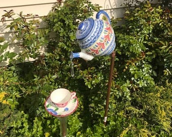 blue and coral flowers tea pot and cup/saucer bird feeder