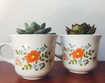 vintage floral cups / corelle cups / 70s kitchen / vintage corelle / vintage tea cups