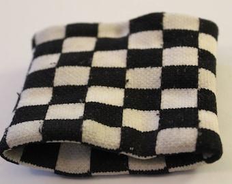 CHECKERED Black/White Wristband