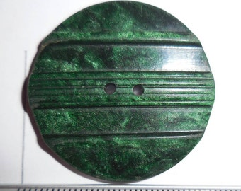 Button. 1930s vintage, large marbled green. New condition.