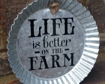 Life is Better on the Farm//Metal Sign//Bottlecap//Decor