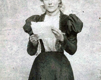 cabinet photo vintage photo 1890s Woman Reading Letter Beauty Lady