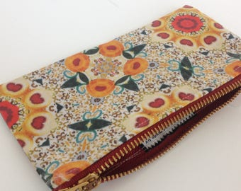 Small zipper bag, great for glasses or makeup