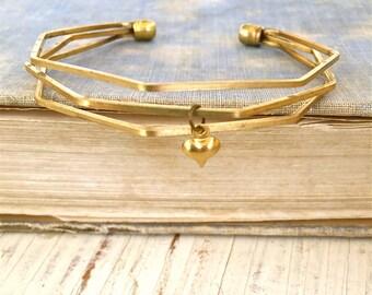 Floating heart cuff bracelet,bohemian cuff,geometrical cuff,brass heart charm bracelet. Tiedupmemories