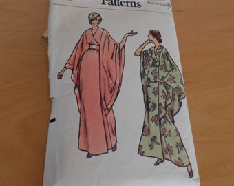 Vogue Pattern 8551 Size 10 Bust 32 1/2 Caftan Robe 1970s