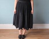 plus size skirt | full skirt accordion pleats | black gold spots | 1990s XL - XXL