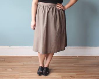 plus size vintage skirt | houndstooth plus size skirt | knee length black tan | 90s XXL