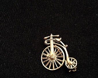Vintage Antique Bicycle Brooch Bike Pin Gold Tone Metal Retro Brooch Pin Costume Jewelry Good Condition