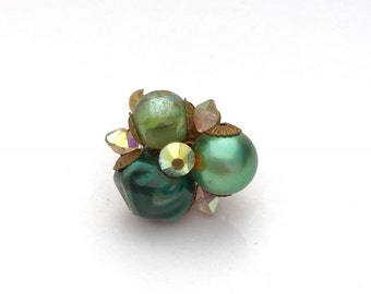 Vintage up cycled ring emerald green
