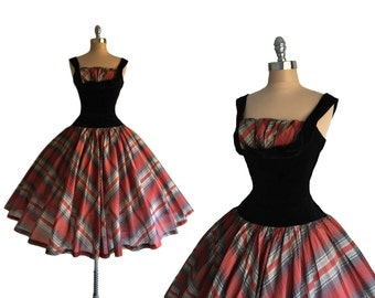 Vintage 1950s Red Plaid Organza Velvet Shelf Bust Cocktail Holiday Party Dress S