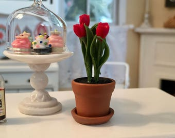 Miniature Red Tulips in Clay Flower Pot With Removable Saucer, Dollhouse Miniature, 1:12 Scale, Dollhouse Flowers, Mini Flower Pot