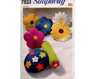 Vintage 1960s Flower Pillows Bolster Cushions Sewing pattern Simplicity 7933 UNCUT Factory Folded