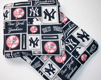 New York Yankee Set of 2 Heavy Duty,Thick Pot Holders,Kitchen Hot Pads,NY Yankees Trivets,Collector Gift Choice