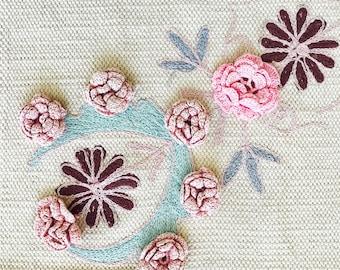 Vintage crochet lace flowers/Pastel pink color/Ombré colors