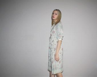 Vintage 1970s Delicate Pastel Floral Ivory Boho Folk Dress - 1970s Floral Dresses - 70s Floral Dress - W00460