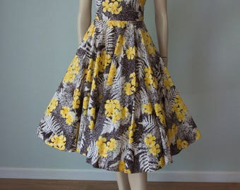 Early 1950s Shaheen Cotton Shelf Bust Full Skirt Hawaiian Dress / Yellow Hibiscus and Palm Frond Print / Strappy and Gorgeous / Small