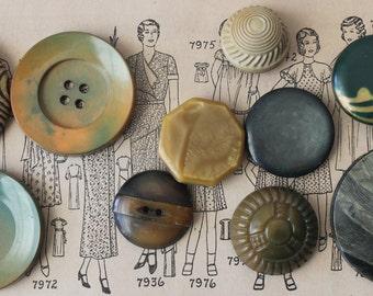 Lot of Vintage Buttons Lot of Vintage Celluloid Buttons Vintage Buttons Vintage Celluloid Buttons