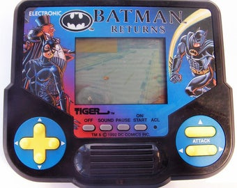 Vintage Batman Returns 1992 Tiger Electronics Handheld Video Game Toy 90s