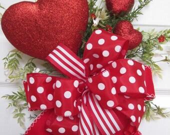 Valentine Wreath, Valentine Swag, Front Door Wreath, Red Hearts, Red & White Wildflowers, Valentine Decoration, Gift Wreath