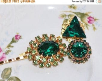 SALE Emerald DESIGNER Vintage Bridal Bobby Pins,Gold & Emerald Green Crystal Bobby,Repurposed Vintage Jewelry,Cluster Earring,Something Old,