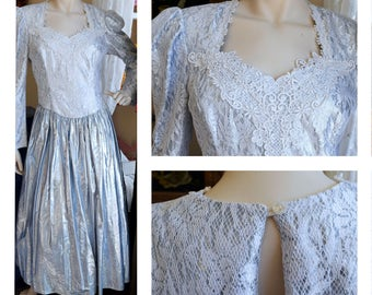 FREE US SHIPPING - Vintage 1980s Silver Metallic White Lace Prom Dress McClintock  // Party // Formal