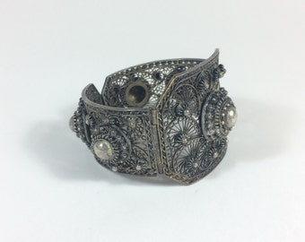 Hinged Chinese Silver Filigree Cuff ca. 1920s