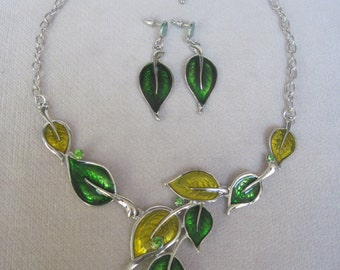Shades of Green and Peridot in an Enameled Necklace Set