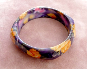 Bangle Bracelet Purple & Yellow Flowers Curved Shape Lucite Retro