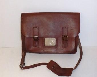 Vintage 1960s large brown tan leather traditional school satchel saddle shoulder bag handbag