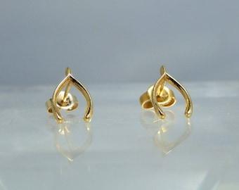 Vintage 14k Yellow Gold Wishbone Earrings Post Style DanPickedMinerals