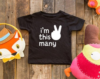 i'm this many 2 - 2nd Birthday shirt child holding 2 fingers for age 2 year old baby shirt