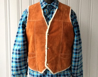 vintage suede vest sherpa fleece lined 1960s early 70s Hippie Carmel genuine leather snap Chest 45