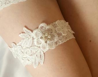 Off White garter, ivory garter, bridal garter, wedding garter, floral garter, pearl embellishments