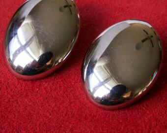 Silver Tone Mod Oval Clip On Earrings 80s Simple Sleek Statement Jewelry