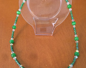 Green Beaded Cats Eye Star Pendant Necklace