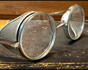American Optical Antique Motorcycle, Auto, Aviation Folding Safety Glasses with Mesh Side Shields