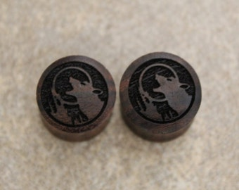 "Pair of Misprinted Red Tiger wood ""Howling Wolf"" Designed Plugs - SIZE 15.60mm + 16.00mm (60% off)"