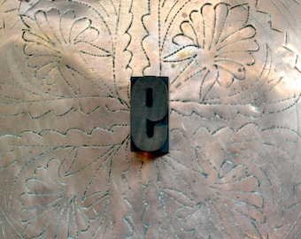 "Letterpress Wood Type 9 or 6 /WB12 / 1.75"" Tall Large Wooden Number 9 / Antique Letterpress Wood Printer's Block"