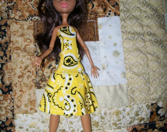 Handcrafted Dress made to fit the original Monster High Dolls   (item D41)