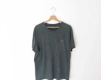 Fred Perry Made in Italy Olive Green with Orange Logo Cotton T-Shirt - sz. XL