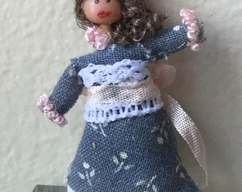 """Dollhouse Miniature Doll in 1"""" Scale (BL)"""