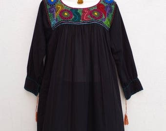 Mexican Women's Peasant Blouse Boho Hand Embroidery from Chiapas M/L