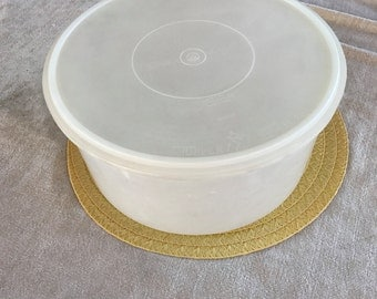 Vintage Tupperware LARGE Round Cake Taker, 32 cup Container 256 + Free Carry Handle