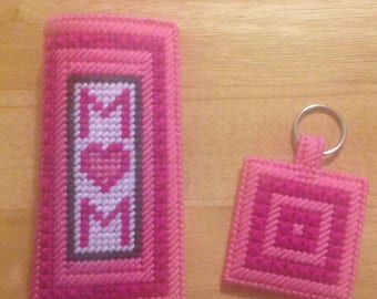 Moms Eyeglass and Keychain Set, Plastic Canvas, Mother's Day Gift, Gifts for mom, Eyeglass Case, Mom Keychain, Needlepoint Key Chain