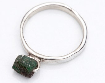 Raw green emerald ring, sterling silver, brazilian stone, everyday jewelry