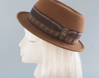 Tan Pork Pie Hat. Unisex Porkpie. Brown Wool Felt Hat with Vintage Greek Key Ribbon. Women's Fedora Hat. Jazz Hat. Handmade Millinery. OOAK.