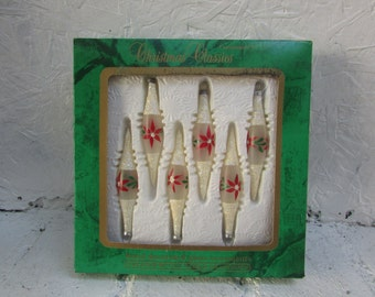 6 Glittery Hand Decorated Glass Chistmas Ornaments.  Old World Craftsmen.In Original Box. Handpainted Poinsettias