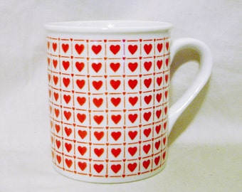 Enesco Red Hot Hearts MUG 1983-Ceramic Artwork-Made in Korea